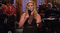 Amy Schumer Blasts The Kardashians on SNL & Khloe Responds