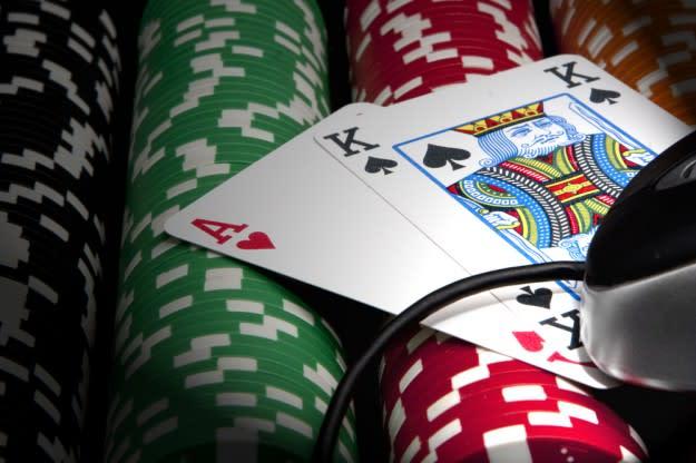 Full Tilt Poker hits back at 'global Ponzi scheme' accusation