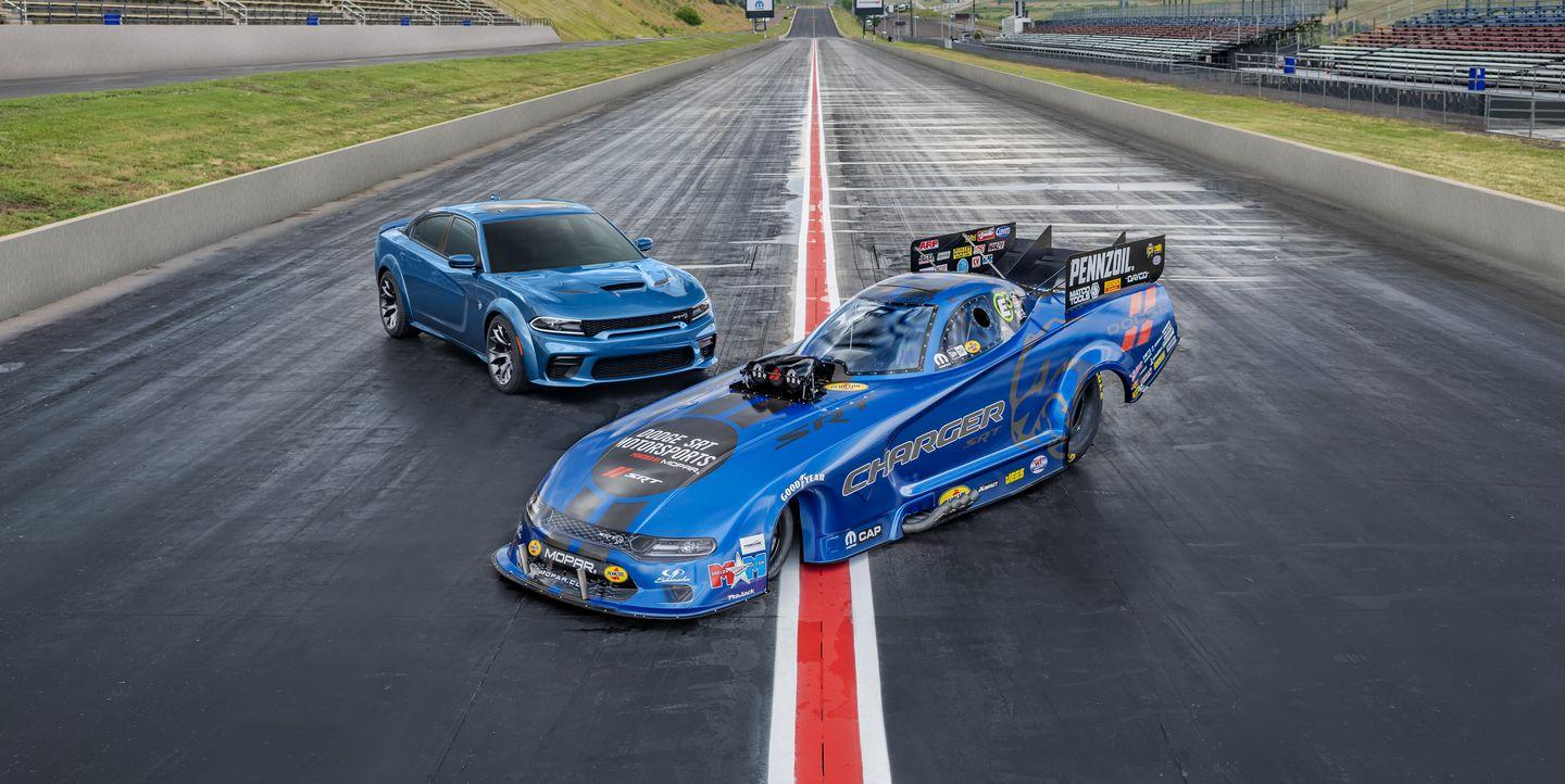 Dodge Rolls Out The 11 000 Hp Charger Srt Hellcat Widebody Funny Car Dodge rolls 11000 hp charger srt