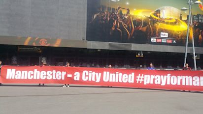 Manchester United fans unveil moving banner tribute to attack victims ahead of Europa League final