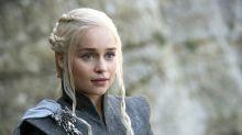 Emilia Clarke revela que passou por duas cirurgias no cerébro após 'Game of Thrones'