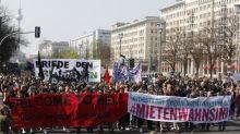 """Des milliers de personnes manifestent à Berlin contre la """"folie des loyers"""""""