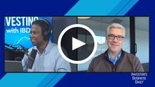 Technical Market Pro Likes This About Nike And AT&T Amid Market Volatility