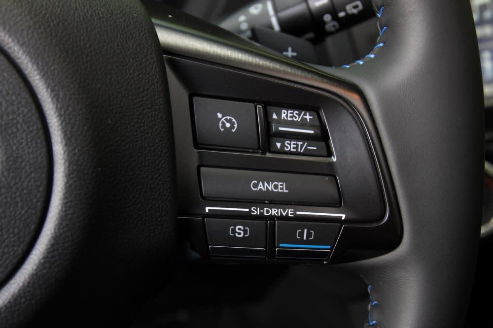 除了附有換檔撥片外,亦提供SI-DRIVE駕駛風格系統,提供更自主且多元的駕馭樂趣
