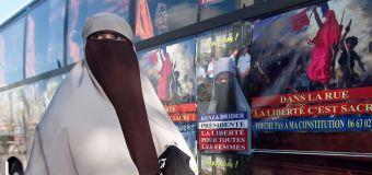 Zehn Jahre nach Burkaverbot: Frankreich streitet weiter