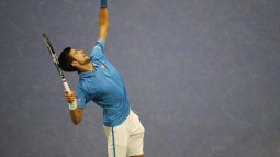 Djokovic into second round but new concerns over fitness
