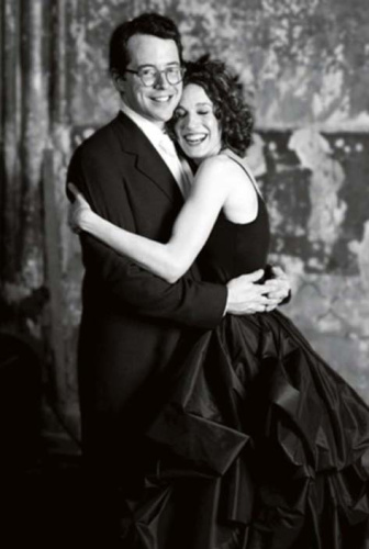 Sarah Jessica Parker, with Matthew Broderick on their wedding day, really wishes she hadn't worn a black dress when she tied the knot. (Photo: Leo Sorel)