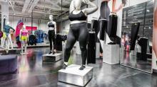 Un maniquí femenino con sobrepeso de Nike, en el punto de mira