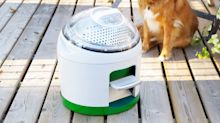 This little machine can clean your clothes with 10 liters of water and no power