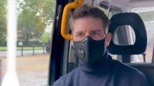 De máscara, Tom Cruise vai ao cinema ver 'Tenet' e registra experiência em vídeo