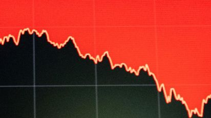 Stocks relapse on news California is monitoring thousands of potential cases