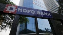 HDFC Bank falls 4% as rising COVID-19 cases weigh