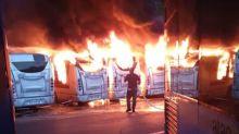 Roma, sette autobus distrutti dalle fiamme
