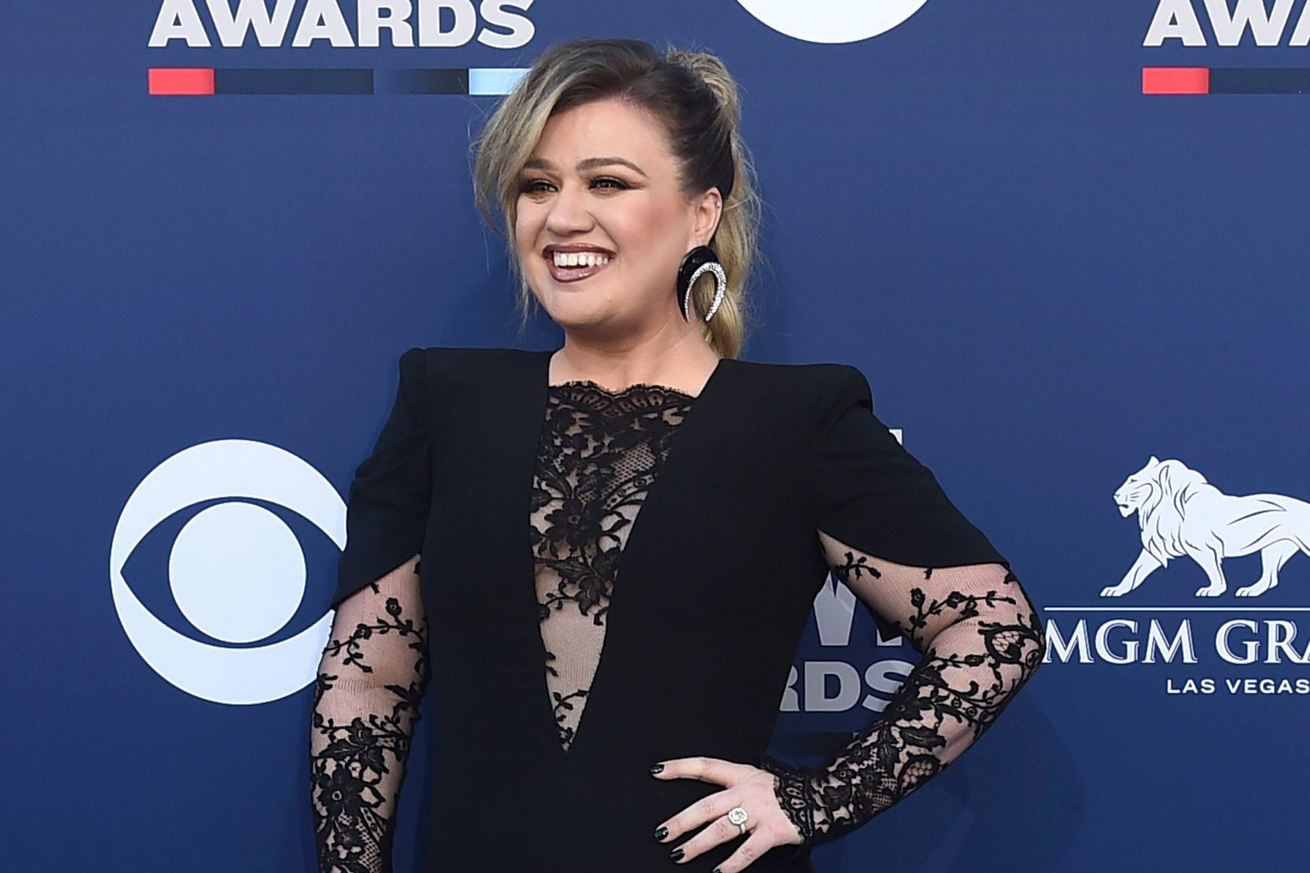 Kelly Clarkson on Country Music: 'Y'all Don't Play People