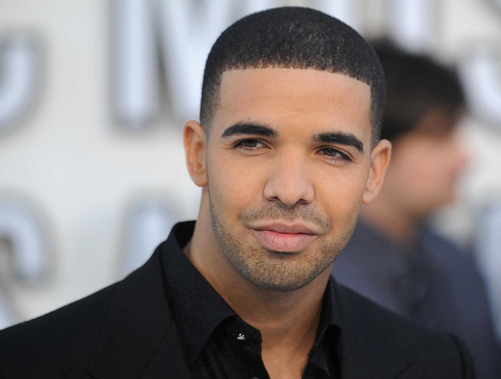 Will Drake become the voice of iTunes Radio?