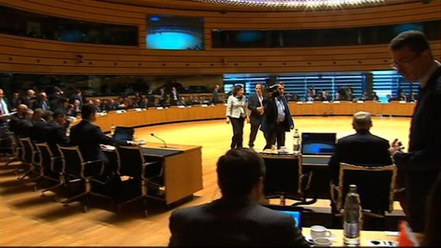 EU ministers meet to discuss Syria oil embargo