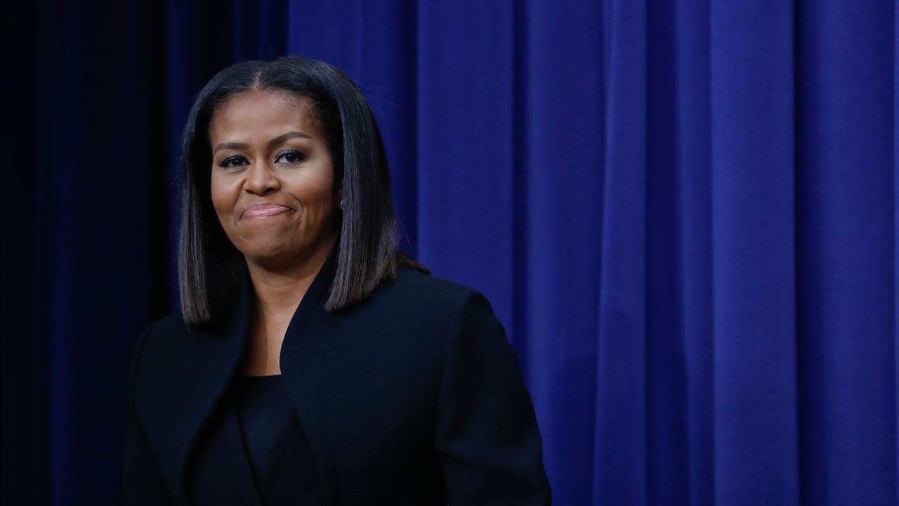 Uu Ua Uu >> Former first lady Michelle Obama to speak at Saleforce Dreamforce convention [Video]
