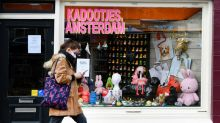 Dutch experts advise against easing COVID curbs for Christmas - media