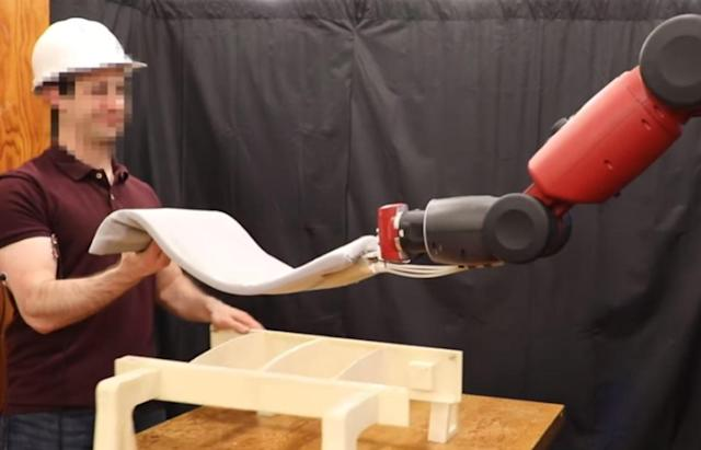 MIT's 'RoboRaise' helps you lift things by studying your muscles
