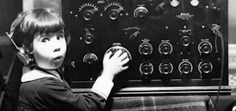 Baby Peggy, child star of silent film era, dies at 101