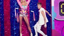 Victoria's Secret Fashion Show: Rihanna, Bieber and Sexy, Half-Naked Bodies!