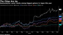 Nikkei-Topping Chip Stocks Poised to Extend Gains in 2020