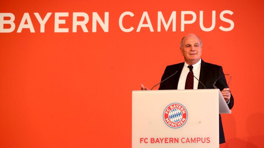 """Bayern-Präsident Uli Hoeneß über Kritik von Robert Lewandowski: """"Müssen wieder lockerer werden"""""""