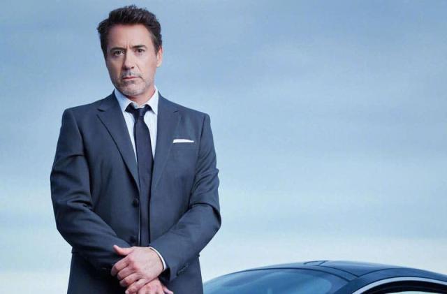 Robert Downey, Jr. shifts his smartphone allegiance to OnePlus