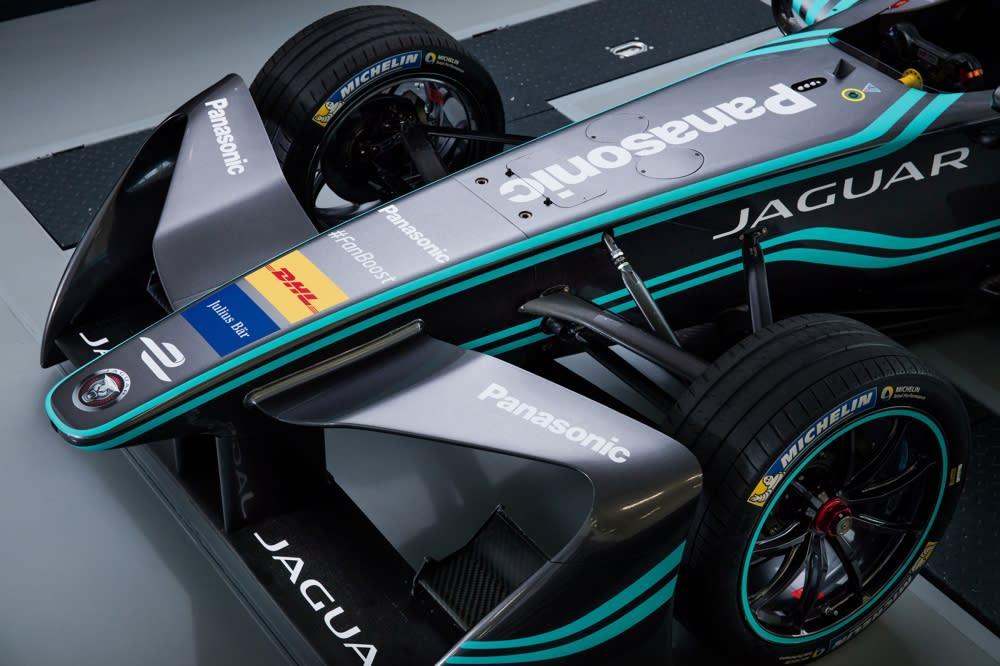日本電子業龍頭 Panasonic 將作為賽事合作夥伴,一同組成「Panasonic Jaguar Racing」,迎戰 FIA Formula E 電動方程式。