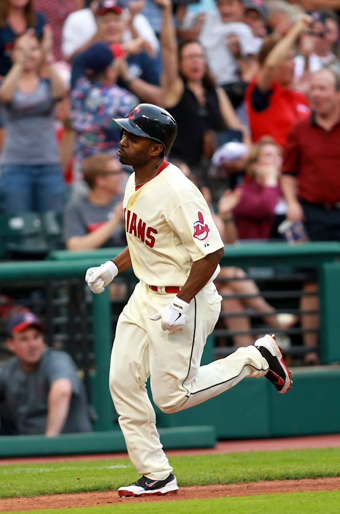 Indians CF Bourn could miss month with injury