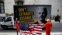 Wikileaks founder Julian Assange faces Christmas behind bars