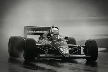 Lotus慶祝洗拿35年前的第一場F1勝利