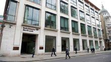 Bank of America los préstamos impulsan los beneficios; corretaje en dificultades
