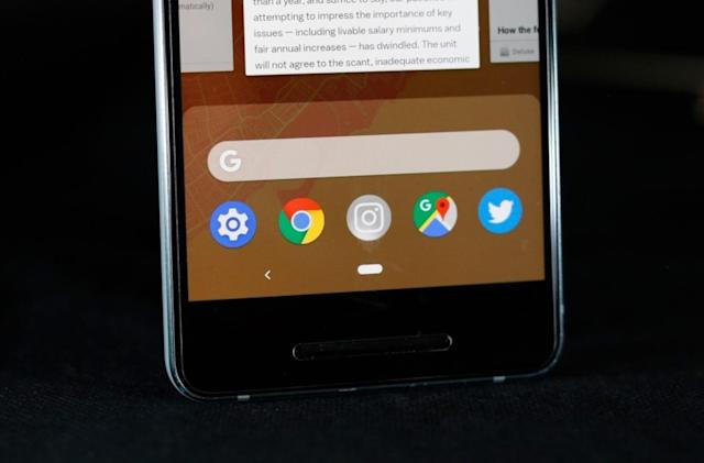 Google experiments with dark mode for Chrome on phones