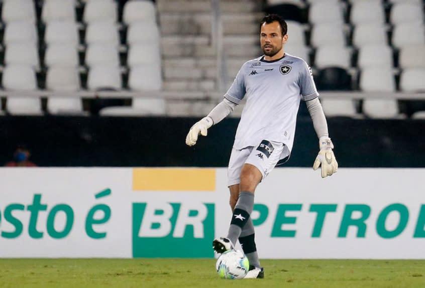 Cavalieri está liberado para voltar ao Botafogo contra o Fluminense; Forster treina bem, mas ainda é dúvida
