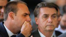 Grupo de hackers expõe supostos dados pessoais de Bolsonaro, filhos e aliados