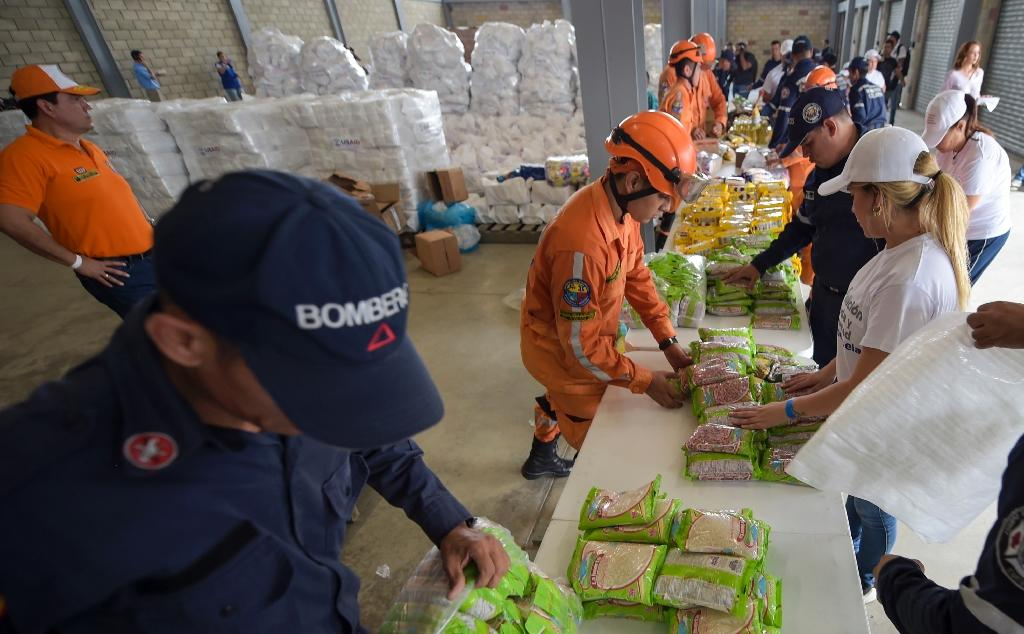 Medicine and food sent by the United States has been blocked for three days in Cucuta, Colombia (AFP Photo/Raul Arboleda)