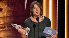 Keith Urban Tearfully Accepts CMA Entertainer of the Year: 'I Wish My Dad Was Alive to See This'