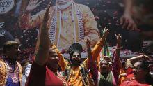 India: oficialismo se da por ganador; opositor concede