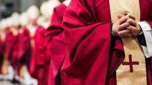 """Vaticano, cardinale Becciu: """"Non conosco Torzi, non ero più in Segreteria di Stato"""""""