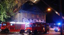 Polizei und Feuerwehr: Blaulicht-Blog: Feuerwehr löscht Dachstuhlbrand in Weißensee