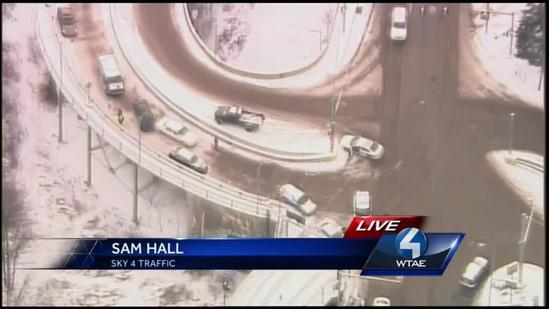 Several vehicles in accident near Liberty Bridge