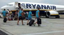Ryanair, scattano le nuove regole sui bagagli a mano in cabina