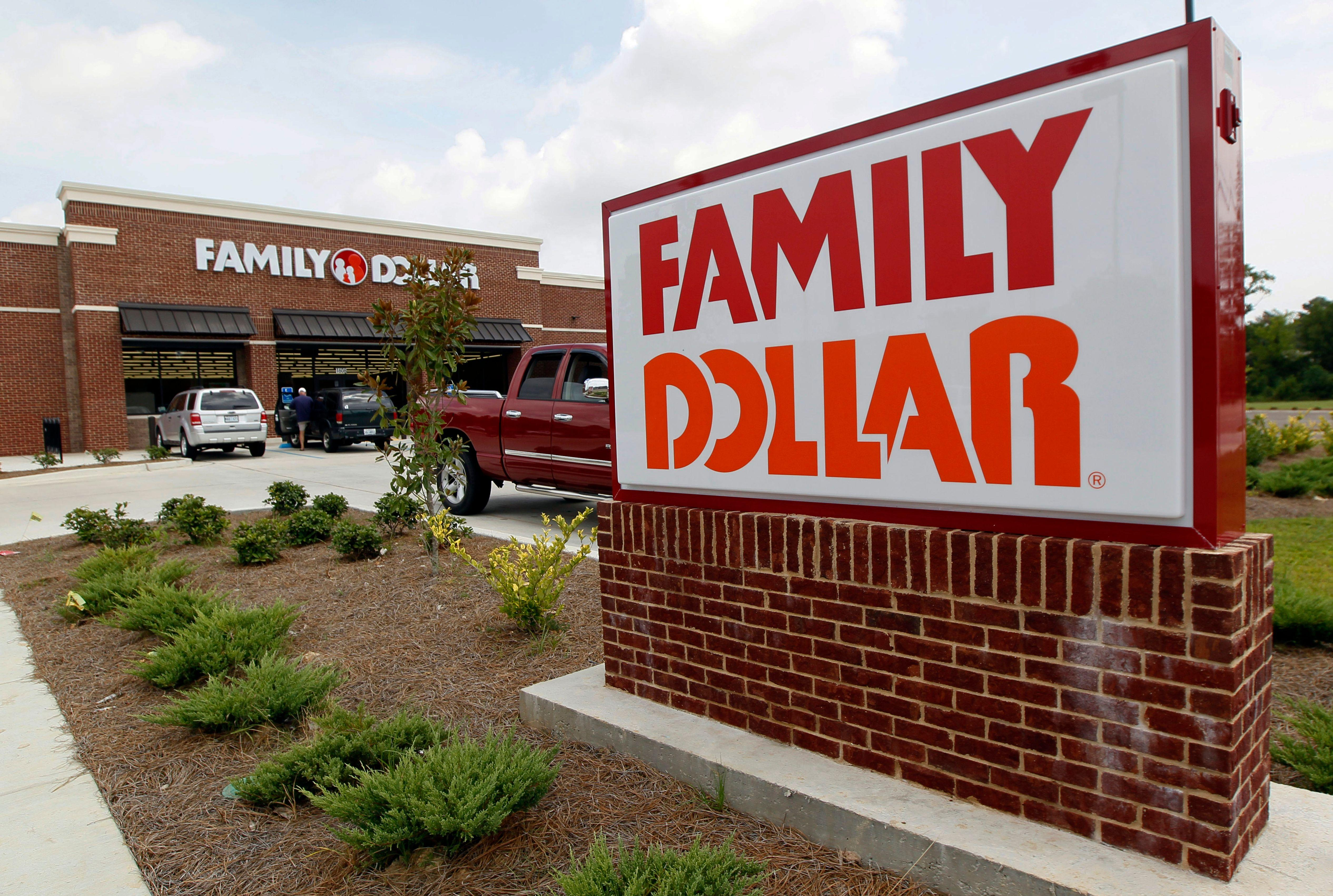 Dollar Tree adding alcohol to 1,000 struggling Family Dollar stores