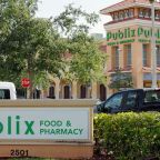 David Hogg Calls for 'Die-In' Protest at Publix Supermarket in Florida