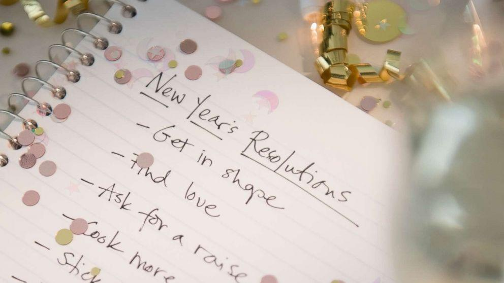 expert tips to stay on track with your new years resolutions