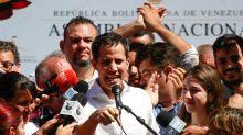"""Guaidó pide a opositores venezolanos no propagar """"información falsa"""""""