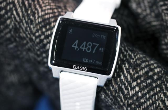 Basis Peak review: a good fitness tracker, with room to be a good smartwatch