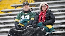 Packers ban fans from Lambeau Field early, hold out hope for later in season
