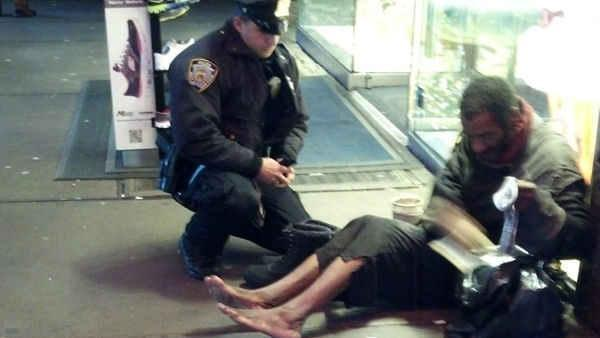 NYPD officer's kindness sparks online sensation